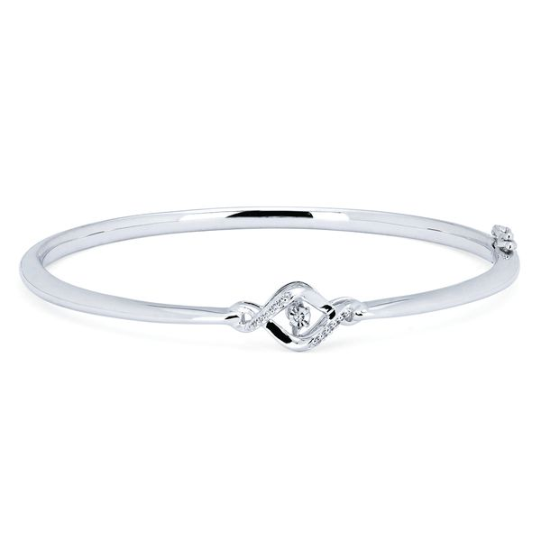 Browse our fine jewelry collection of bracelets at Michael