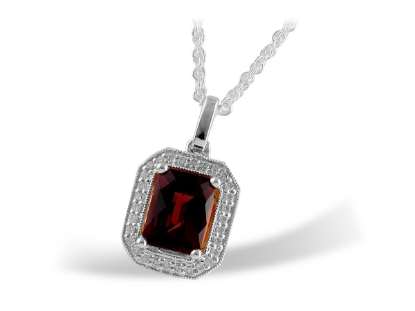 Parris Jewelers has been the trusted fine diamond jeweler for Hattiesburg, Mississippi for over 70 years. View our Necklaces online.
