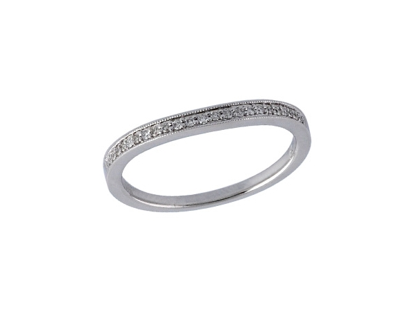 Parris Jewelers has been the trusted fine diamond jeweler for Hattiesburg, Mississippi for over 70 years. View our Fashion Rings online.